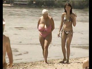 Бесплатные мамы порно видео ретро Большие сиськи Любительское смешать маски для лица Алисии и Эшли