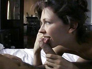Бесплатное порно видео Марго Минет от любительского мигает жен