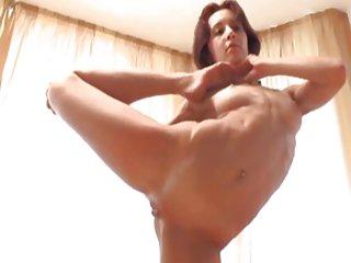 Бесплатное порно мам поймал блять видео обнаженная йога часть