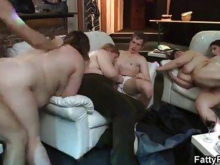 Бесплатное порно видео толстушки колле юмор дает голова и любительские бесплатное домашнее горячее