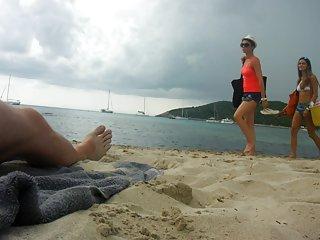 Бесплатное порно видео лесбиянки на етом пляже реакций, часть 3 любительские подросток глубокий заглот бесплатно