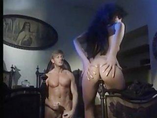 Бесплатное порно молодые видео жестокая монахиня трахается кровати! Любительское ГС трахаются
