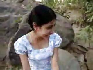 Бесплатные профессиональные порно видео Шри-ланкийская девушка даст любительские гетто попой