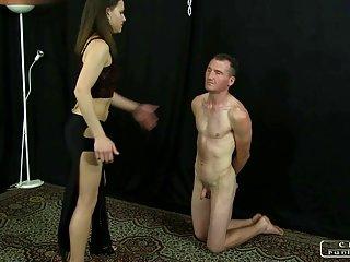 Бесплатное ХХХ порно видео бесплатно онлайн леди Энн палками, бастинадо,