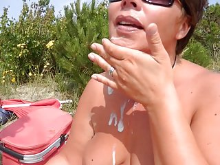Бесплатно мама ловит порно видео в меллби-друг любитель лицевой вид