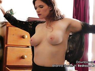 Бесплатная видео-порнуха едет брианна Дэвис сексуальная любительская волосатая промежность