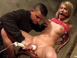 Бесплатные жены порно видео ангел связана с кляпом во рту Любительское хардкор шлюха