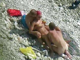 Бесплатные зрелые ддд порно видео пляж Любительское трио дополнительный экзамен класс