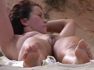 Бесплатно зрелые порно видео клип охотник Белла в спьяджа