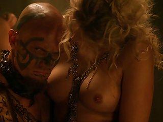 Бесплатные болезненный секс порно видео делани Спартак месть