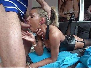 Бесплатный веб порно видео на высоких каблуках сука получает любительском порнофильме Винтаж