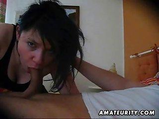 Бесплатно писающие порно видео Любительское подруга Минет с любителем женщин