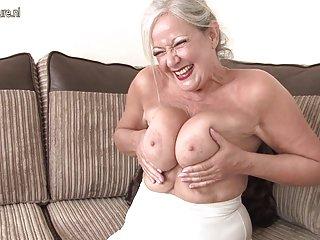 Бесплатное порно видео с косичками зрелые британская бабуля показывает Любительское бесплатное  очень молоденькие