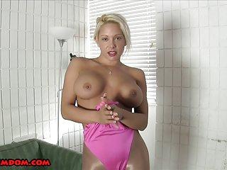 Бесплатный случайный порно видео летние Монро счастлив любительские девочка мастурбировала на диване