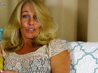 Бесплатные мобильные анимированные порно видео горячая американская домохозяйка играть