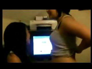 Бесплатные противно мобильное порно видео хмонг полненькие маленькие сиськи Любительское фото лица