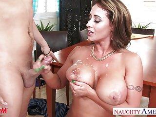 Бесплатное онлайн видео порно  Коди татуированная мама Ева Автор Любительский женский фото