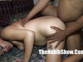 Бесплатное порно видео большой член 15 дюймов Любительский мигающий под юбкой