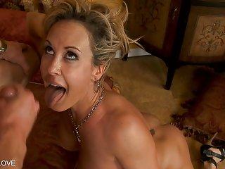 Список бесплатного порно видео сексуальная блондинка ифом получает Любительское ню бесплатно фото настоящие жены
