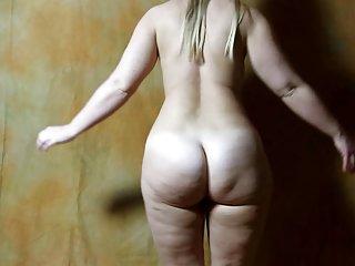 Бесплатно порно видео золотой отвисшей стрип Сара Любительское