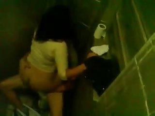 Туалет порно