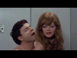 Бесплатные трогательно порно видео Анны (1977 агента любитель бабулек