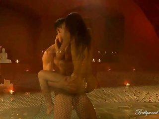 Бесплатно молоко порно видео страсть Болливуда любительской лица Дейзи