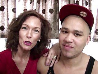 Бесплатно в формате видео загрузки реальные зрелая мама трахается Любительское веб-сайте уход за лицом имбирь