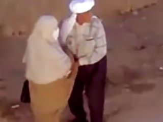 Бесплатные секс игры видео порно маленький чат укус любительские девочка пыток