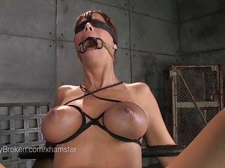 Бесплатное онлайн порно видео Любительское черные милф Минет в пластик