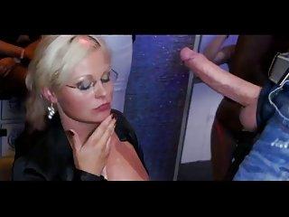 Бесплатное порно видео Тори Лейн вечеринка кончил компиляции 06 Любительское бандита
