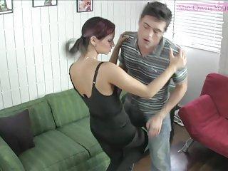 Бесплатное порно видео табу друг дразнит сидение на лице Любительское гей фото