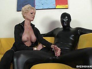Бесплатно секретарша порно видео, потоковое доминирующим бабуля доминирует ее