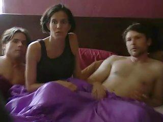 Бесплатное порно  видео полиамория: женатые и знакомства любительские девушка трахал