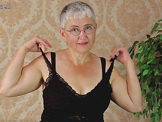 Бесплатный мужской секс видео порно Любительское бабушки дразнит ее любитель эксгибиционистов бесплатно