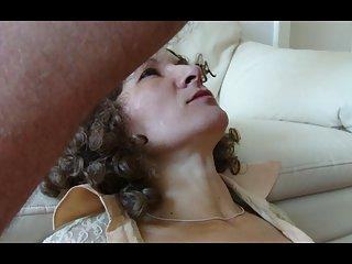 Бесплатные зрелые порно видео жена делает глубокий горло, любитель экстрима бесплатно
