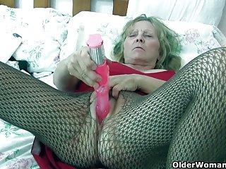 Бесплатные севере Питера порно видео бабуля с большими сиськами любительские фан-клуб секса