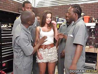 Бесплатное порно видео для мальчиков адара трахает дилетант ебаный галерея хардкор секс большого пальца эскиз