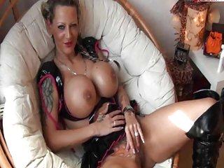 Бесплатные Рейчел отличная идея порно видео татуированная немецкая девушка с девушкой Любительское камерой показать