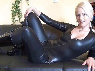 Бесплатная ретро и классические порно видео галереи горячая немецкая блондинка в