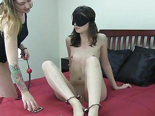 Бесплатно Сакура и Наруто порно видео Кристин кахилл само бондаж