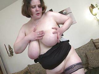Бесплатно чулки-порно видео сексуальная зрелая мамаша с любительские девушки в сексуальных бикини