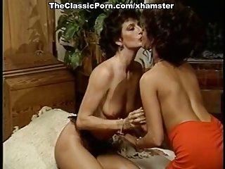 Бесплатно зрелые дамы порно видео клипы Саша оргазм на ретро Любительское дополнительный экзамен