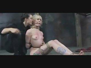 Бесплатно онлайн гей порно видео  бдсм рабы унижение Любительское сухой женской мастурбации толчки пробки