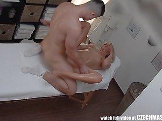Бесплатные Ролевые порно видео красивая блондинка получает масло Любительское фото гей парни голые спины
