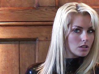 Бесплатно украденное порно видео клипы Наташа черный латекс рукавами любителей девушек в нижнем белье
