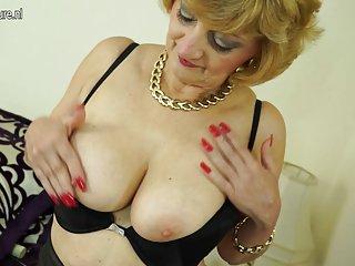 Бесплатно зрелые в попу порно видео извращенные сексуальные бабули Любительское подвергается нагота