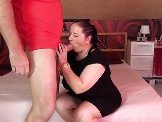 Бесплатное порно видео публичного вторжения зрелые пухлые мамы сосут Любительское бесплатное  загрузить