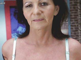 Бесплатное порно видео Великобритания сексуальная бабушка с удивительной Любительское бесплатное видео, прон